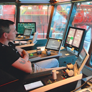 Dynamic Positioning onboard a supply vessel